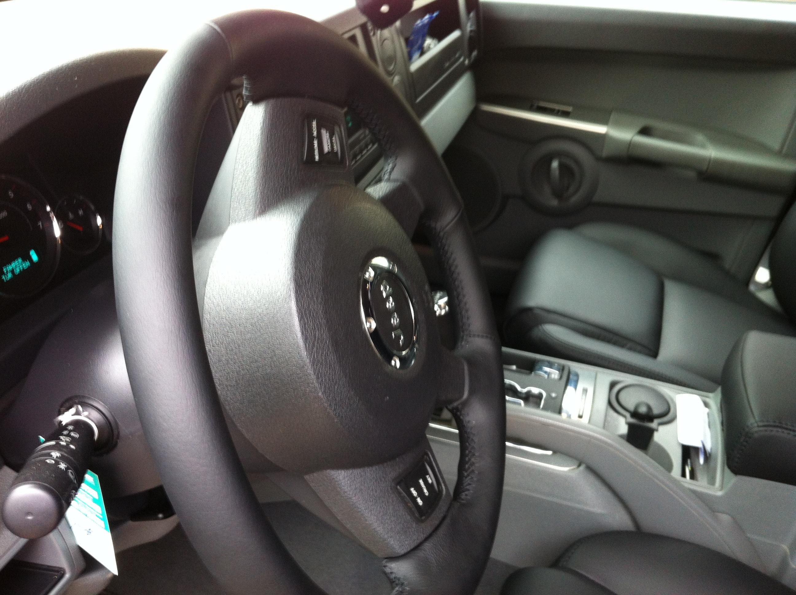 Lederlenkrad - Innenausstattung für Fahrzeuge 007